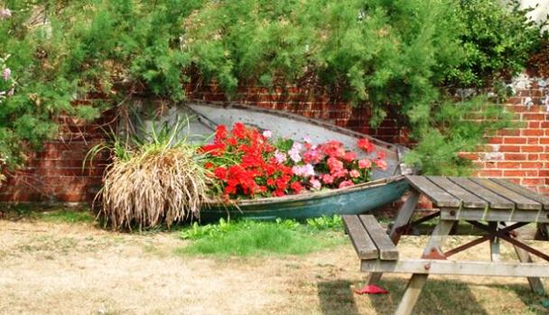 оформление лодок цветами